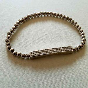 Bar stretch bracelet with crystals